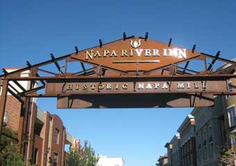 pet friendly hotel in napa valley